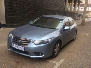 2011 Honda Accord Automatic 2.0 (R69999) non negotiable