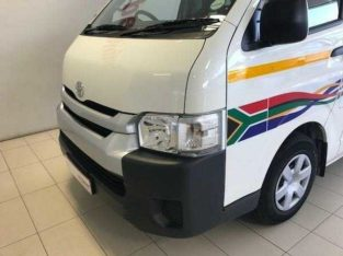 2017 toyota quantum 2.5D-4D Ses'fikile 16 seater for sale. R165,000