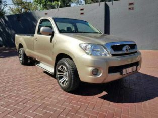 2012 TOYOTA HILUX 2.5D-4D FOR SALE
