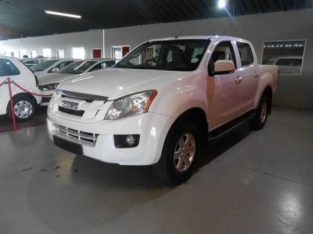 2014 ISUZU KB 250 D-TEQ D/CAB LE with 132644