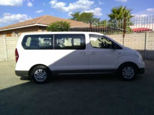 2014 Hyundai H-1 2.5  9 Seater Bus