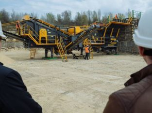 PRO-90 MOBILE CRUSHING & SCREENING PLANT