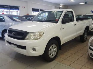 Toyota hilux 2014 model for sale
