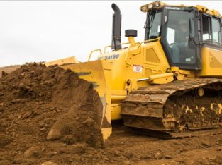 BULLDOZER MACHINERY TRAINING COURSE IN KURUMAN