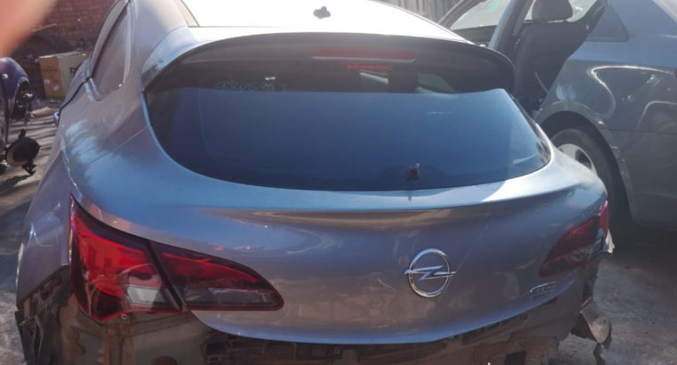 OPEL ASTRA GTC 1.6 2014 USED BOOTLID FOR SALE