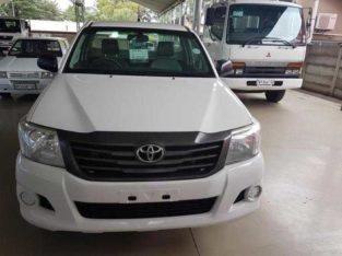 toyota hilux 2.5D-4D for sale