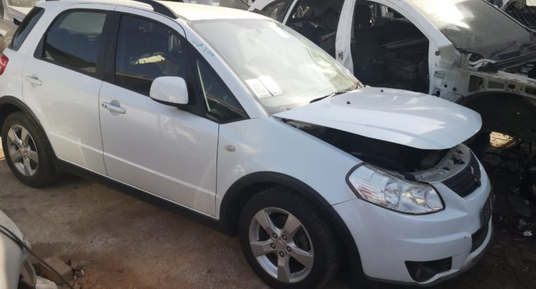 SUZUKI SX4 2.0 2010 STRIPPING FOR SPARES
