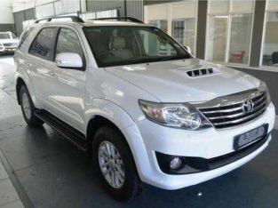 Toyota fortuner 3.0l 4×4 IN GOOD CONDITION 2013 MODEL