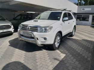 Toyota fortuner 3.0 model 2012