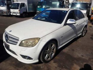 2012 Mercedes Benz C200 kompressod 2.0