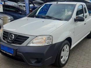 2015 Nissan P200 1.6 A-C safety pack