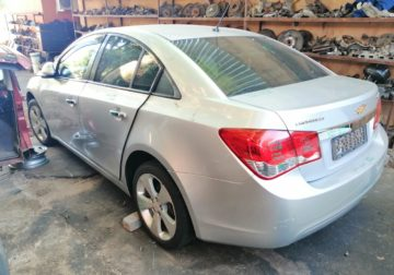 CHEV CRUZE 1.8 2012 ( AUTO ) IS NOW STRIPING FOR SPARES