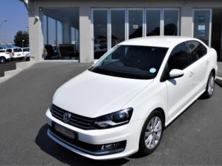 2018 POLO SEDAN 1.6 COMFORTLINE WITH 76000KM FOR SALE 0790475688