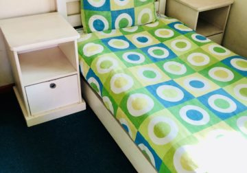 BEDSET AVAILABLE IMMEDIATELY