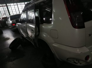 NISSAN X TRAIL 2006 2.0 DIESEL STRIPPING FOR SPARES