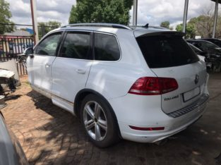 Volkswagen Touareg 3.0 TDI 2014 V6 Auto Stripping for Used Spares