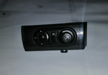 CAPTIVA 2.2 USED DOOR MIRROR AJUSTER FOR SALE
