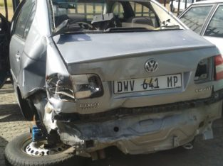 VW POLO CLASSIC 1.9 TDI STRIPPING FOR SPARES