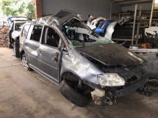 Volkswagen Touran 2.0 TDI BKD Manual Stripping for Used Spares