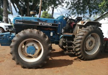 1994 ford F7840 4×4 tractor
