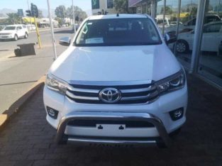 TOYOTA HILUX DOUBLE CUB FOR SALE 2018 MODEL