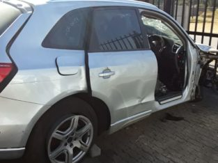 AUDI Q5 20TDI STRIPPING FOR SPARES