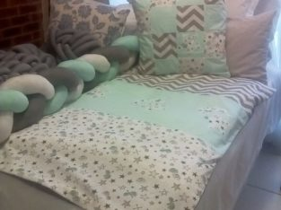 Crib bumper bed throws knotted cushions
