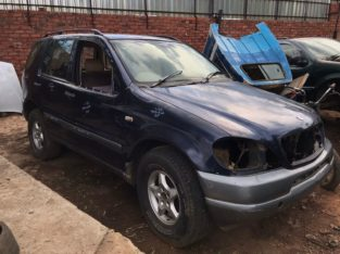 Mercedes-Benz ML270 W163 CDI 2000 Navy Used Spares Parts