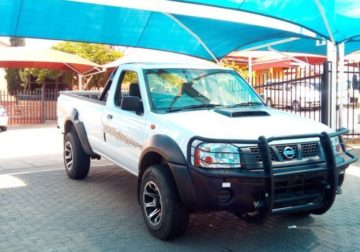 NISSAN NP3OO 2.5D FOR SALE