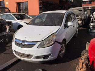Opel Corsa D 1.4 Manual A14XER Stripping for Used Spares Parts