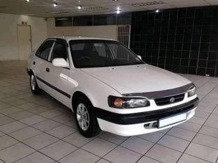 2000 Toyota corolla 160I rxi for sale in good condition.