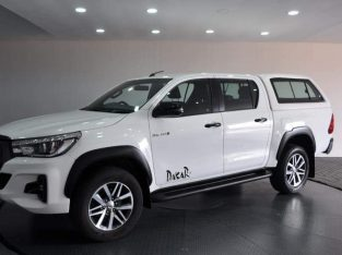 2017 Toyota hilux for sale R85k.call 0731468809