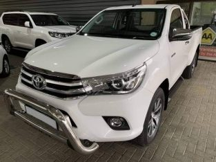 TOYOTA HILUX BAKKIE USED FOR SALE