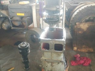 Truck engines and gearboxes mechanic