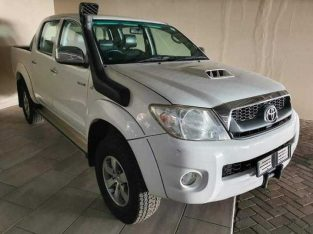 2010 Toyota Hilux 3.0D-4D Double Cab 4×4 Raider Auto For Sale Transmission: Automatic Fuel type: Deasel Mileage: 243 850km Colour: White Body type: Double Cab Interior: Leather Full Service History  Price: R65 000  call or WhatsApp 063 518 5216