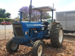 Ford tractor 6600